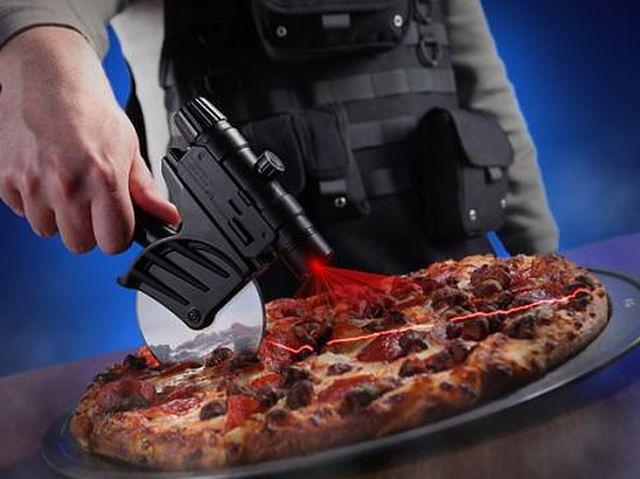 nóż do pizzy z laserem