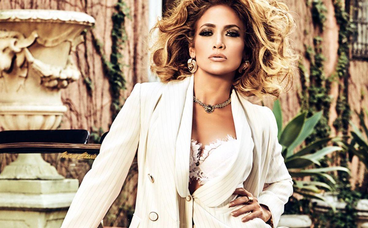 Jennifer Lopez w kampanii Guess