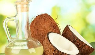 Olejek kokosowy kosmetyczny bardzo dobrze odżywia skórę