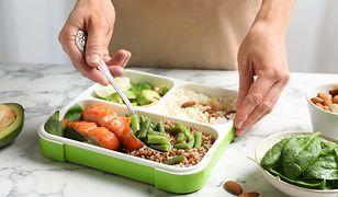 Dieta Fultona ogranicza posiłki do trzech dziennie