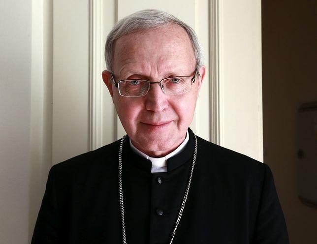 Bp Piotr Libera powiedział, że stawia dobro ofiar na pierwszym miejscu