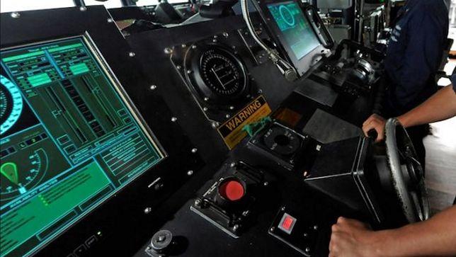 USA: marynarka porzuca ekrany dotykowe. Powracają do analogów