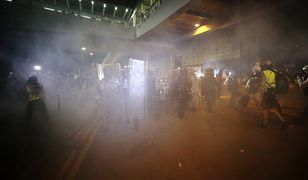 Hongkong. Policja spacyfikowała protestujących przed budynkiem parlamentu