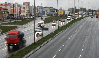 Nowe fotoradary będą robić zdjęcia tyłom samochodów