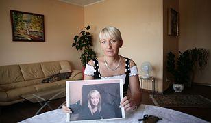 Detektyw Krzysztof Rutkowski zapewnia, że cały czas jest w kontakcie z matką zaginionej Iwony Wieczorek