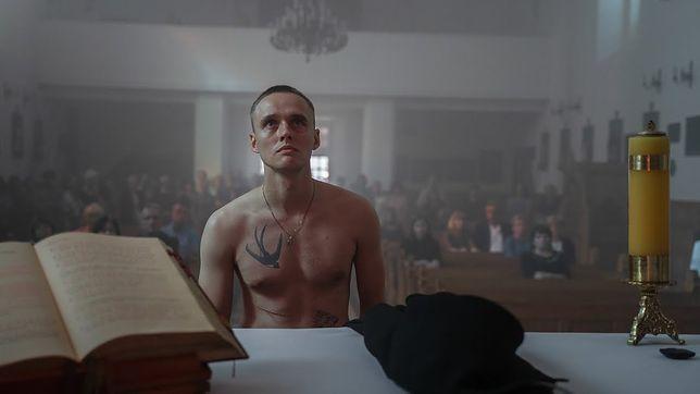 W roli głównej wystąpił Bartosz Bielenia