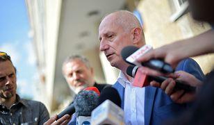 Sławomir Neumann rozmawia z dziennikarzami po posiedzeniu zarządu PO