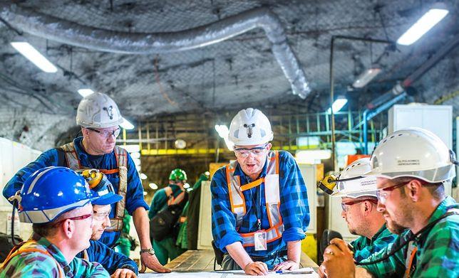 KGHM od lat buduje pozycję lidera w produkcji miedzi i srebra.