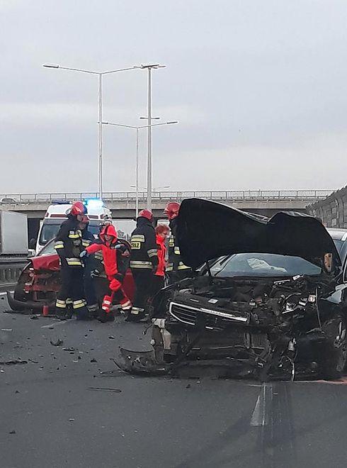 Warszawa - trasa Toruńska: groźnie wyglądający wypadek