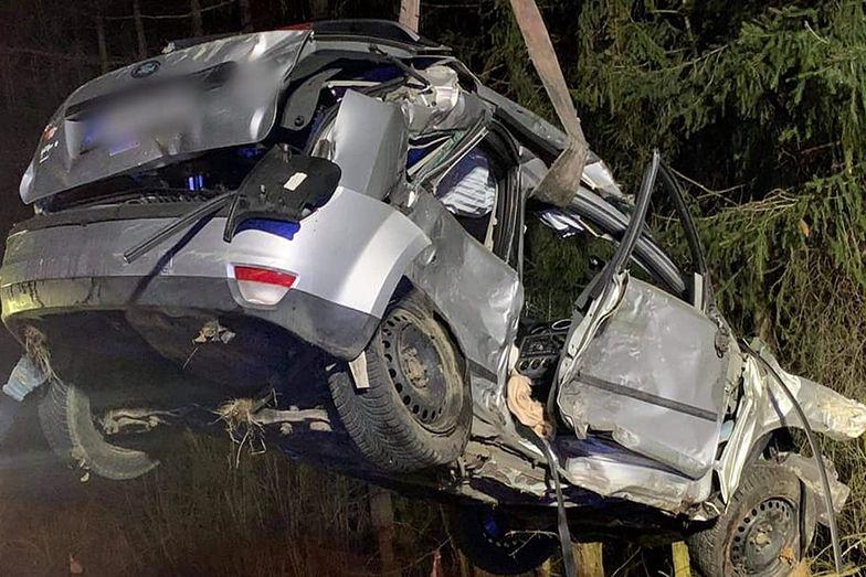 Koleżanki zginęły na przejażdżce. Z forda nic nie zostało