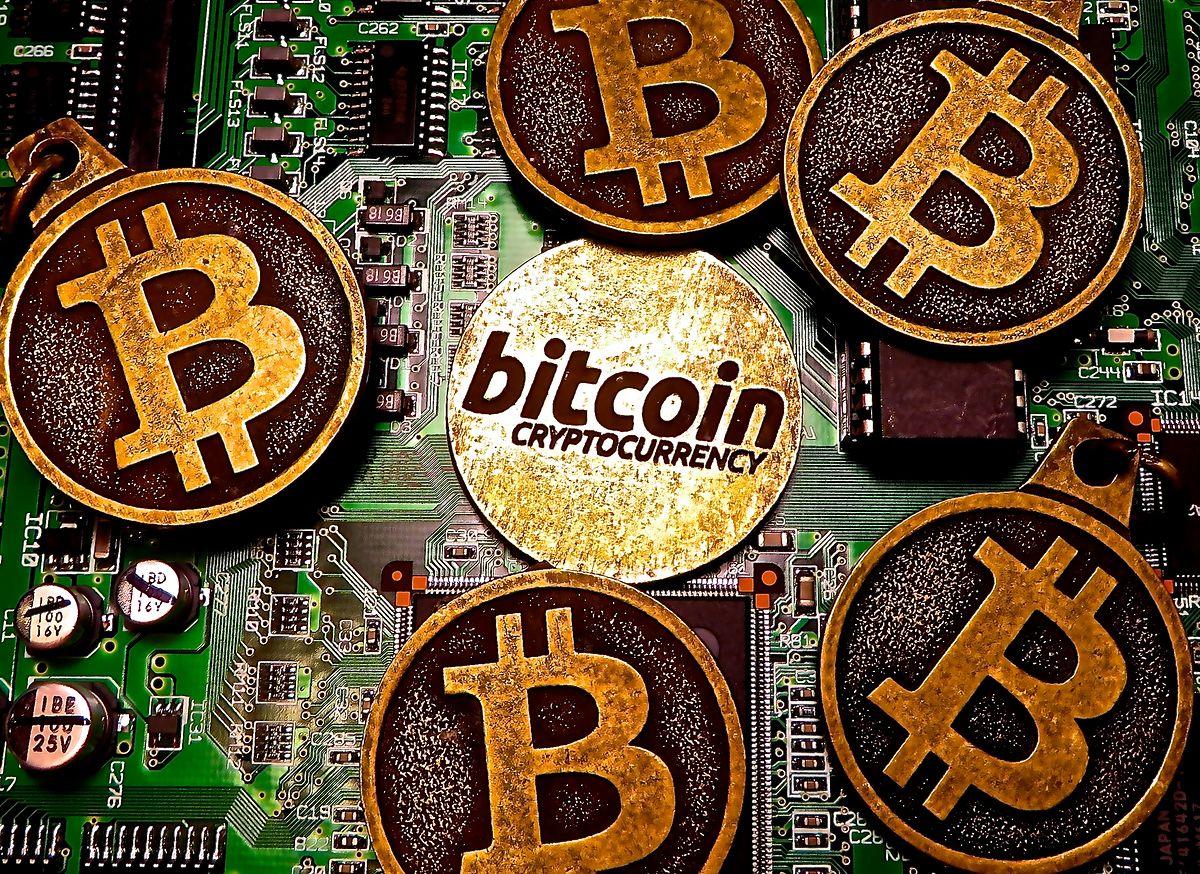 Kopalnie bitcoinów rozrosły się do przemysłowych rozmiarów. Mogą być wsparciem dla OZE
