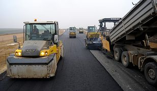 18 chętnych do budowy 15 km drogi S8 Warszawa-Białystok