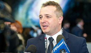 """Wojewoda kujawsko-pomorski Mikołaj Bogdanowicz twierdzi, że Kościół musi mieć """"swoje miejsce w społeczeństwie"""""""