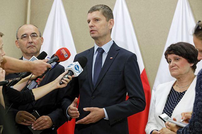Rekrutacja do szkół. Minister Dariusz Piontkowski zabrał głos
