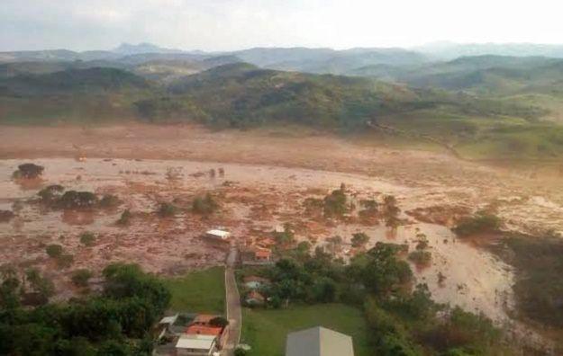 17 osób zginęło w wyniku złamania się zapory górniczej w Brazylii