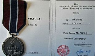 Pro Patria dla płk Adama Mazguły. Według Bartłomieja Misiewicza, nie ma prawa nosić munduru WP