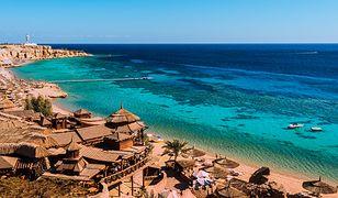 Sharm el-Sheikh kusi ogromną liczbą hoteli all inclusive, pięknymi plażami i świetnymi warunkami do uprawiania sportów wodnych