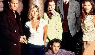 """""""Buffy: Postrach wampirów"""": Po 20 latach znów zrobili sobie wspólne zdjęcia. Jak się zmieniły telewizyjne gwiazdy?"""