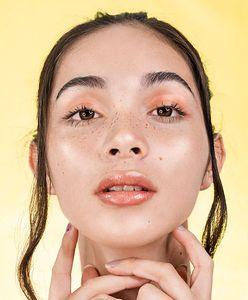 Lekkie i subtelne makijaże – jak je wykonać?