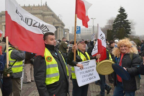 """Manifestacja w Warszawie osób głuchych. """"Stop dyskryminacji!"""""""
