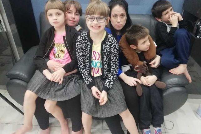 Jacqueline z dziećmi