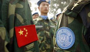 Chińscy żołnierze w bazie w prowincji Henan, przed wysłaniem na misję do Darfuru, 2007 r.