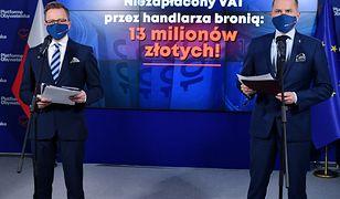 Posłowie KO Dariusz Joński i Michał Szczerba podczas konferencji prasowej w Biurze Krajowym PO w Warszawie,(aldg) PAP/Piotr Nowak