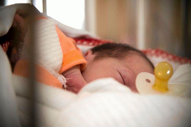 Dziecko zostawione w oknie życia dzień przed Wigilią.