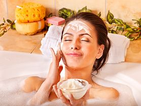 Wykonaj peeling w domu i ciesz się piękną skórą