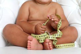Surowi rodzice wychowują otyłe dzieci