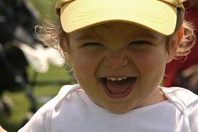 Odpowiednia higiena jamy ustnej malucha. Jak dbać o jego ząbki, by były zdrowe?