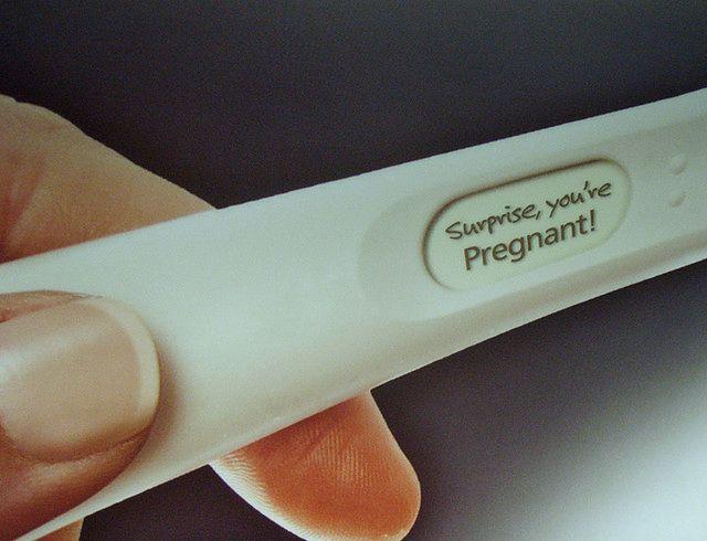 Test ciążowy z wynikiem dodatnim