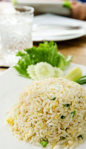 Znudził ci się zwykły ryż? Dodaj do niego groszek i kukurydzę
