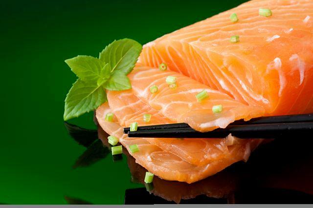 Łosoś to bogate źródło kwasów omega 3