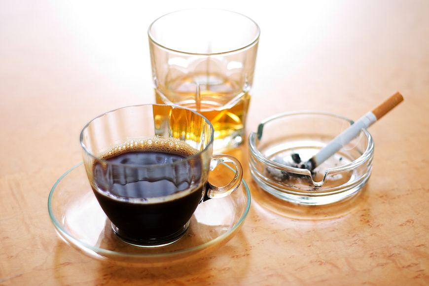 Alkohol i kofeina