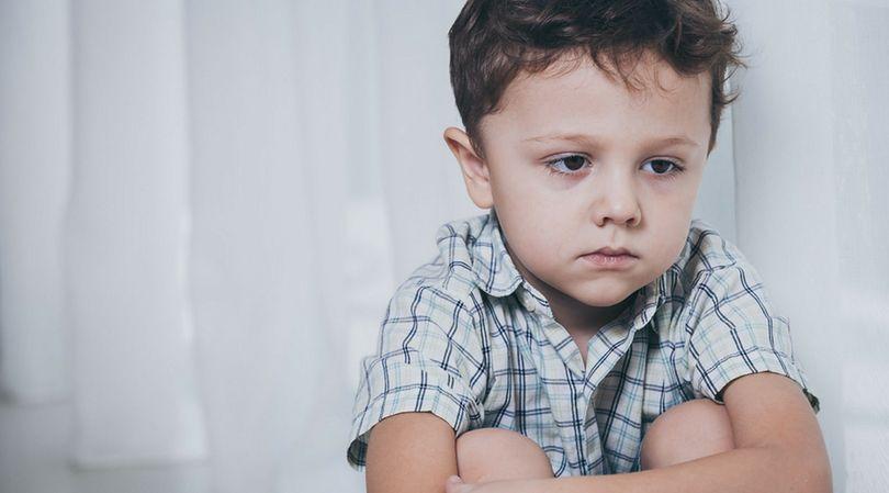 Dzieci z autyzmem padają ofiarą niewłaściwych praktyk stosowanych przez rodziców, z powodu braku rozumienia tej dolegliwości
