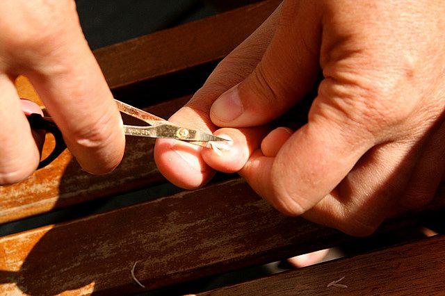 Obcinanie paznokci u stóp