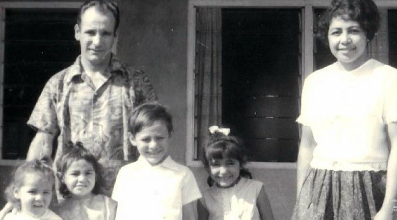 Robert i Yvonne z dziećmi
