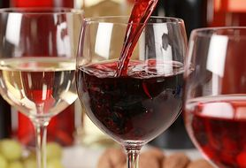 Picie wina może stać się receptą na poważną chorobę neurologiczną