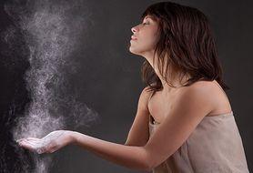 Sprawdź, na czym polega działanie suchego szamponu