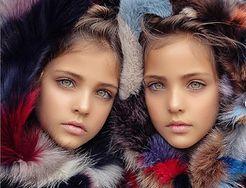 Najpiękniejsze bliźniaczki w historii. Jak dziś wyglądają?