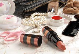 Poznaj akcesoria do makijażu, którymi nigdy nie powinnaś dzielić się z innymi