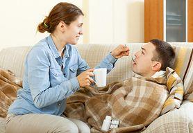 Sprawdź skuteczne sposoby na to, by pozostać zdrowym, kiedy choruje domownik