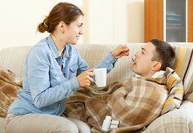 Jak pozostać zdrowym, kiedy choruje domownik?