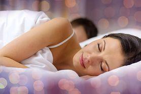 Chcesz dobrze spać? Opowiedz partnerowi o swoim dniu