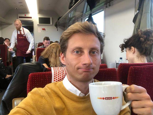 Franciszek Sterczewski w pociągu do Warszawy