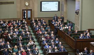 Sejm wybrał nowych członków Krajowej Rady Sądownictwa. Budka: powrót do PRL staje się faktem