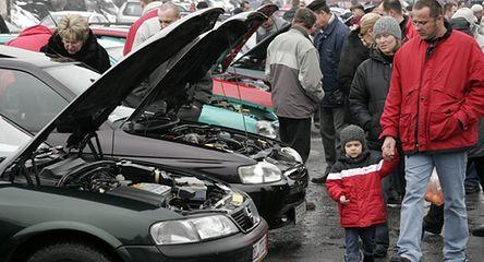 Uwaga na nieaktualne polisy OC w autokomisach