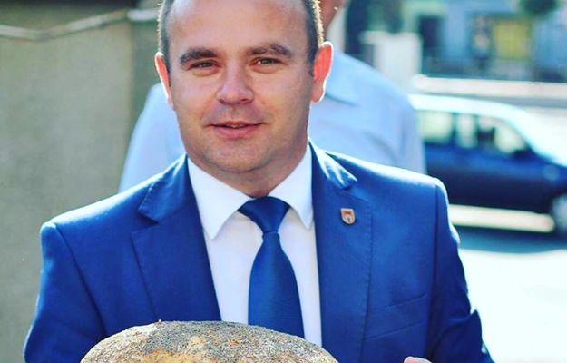 Burmistrz Błaszek jest w sporze z lokalnym proboszczem