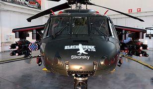 Pokaz uzbrojonego Black Hawk S-70i z fabryki PZL Mielec